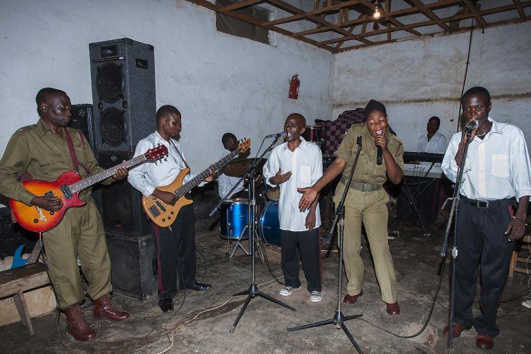 非洲國家馬拉維(Malawi)的松巴(Zomba)監獄音樂計劃。攝 : Amos Gumulira/AFP
