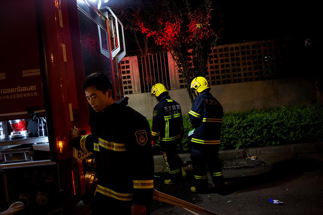 爆炸事件期間執勤的消防員。