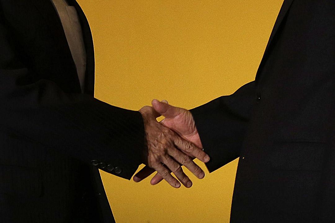 2015年11月7日,新加坡,馬英九與習近平會面,會前雙方互相握手。攝:Wong Maye-E/AP