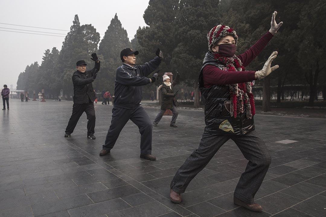 中國社會科學院發布《人口與勞動綠皮書》,建議將退休年齡延遲要65歲。攝:Kevin Frayer/Getty