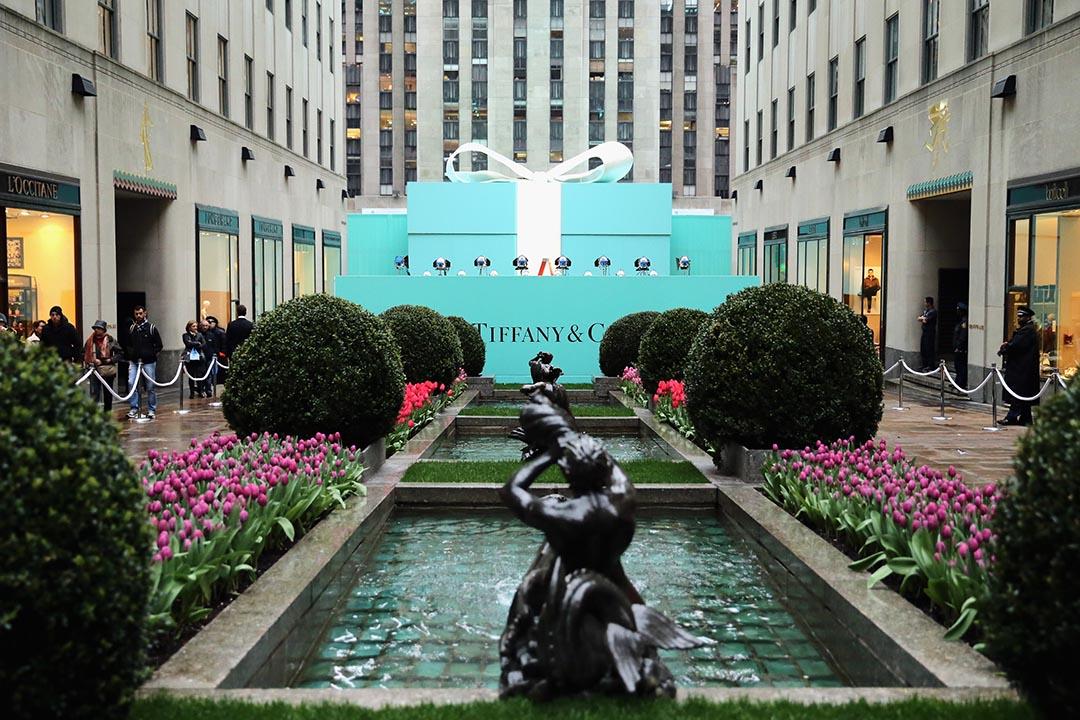 """送一隻 Tiffany 鑽戒就好像 """"The Tiffany Promise"""" 所說一樣永恆不變,是珍寶中的珍寶鑽石。攝:Neilson Barnard/Getty"""