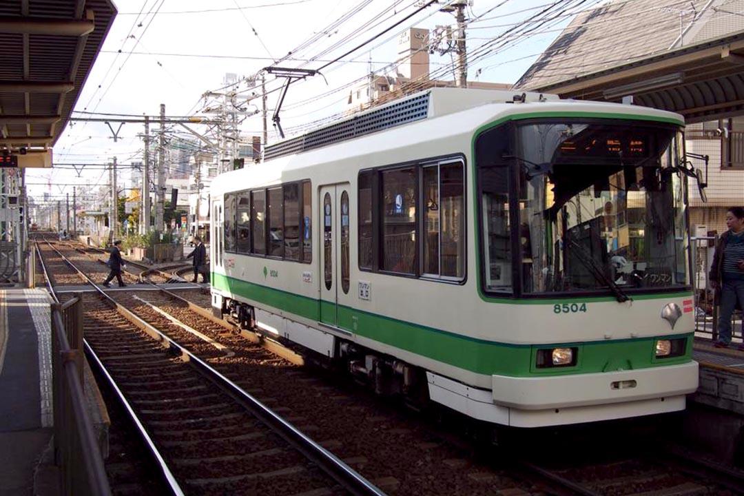 區諾軒:不少評論認為,當年沒有廢除荒川線是正確決定。圖為東京荒川線列車。 攝: 樊素心/端傳媒
