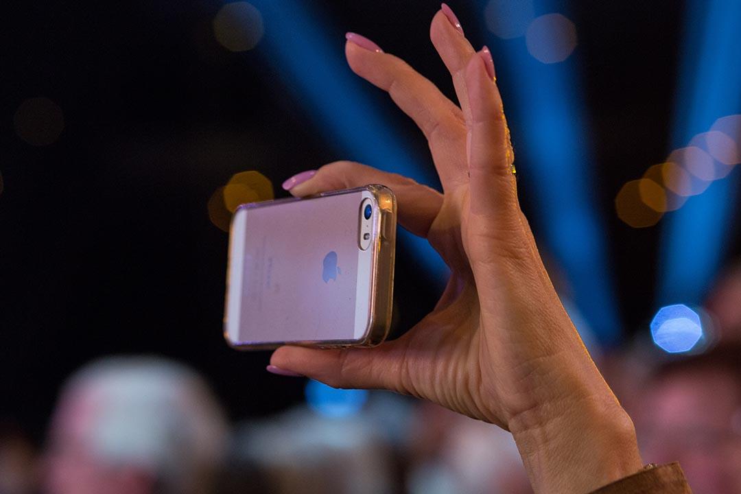 蘋果公司拒絕遵從聯邦法院指令為FBI解鎖手機,稱此舉將威脅用戶的資訊安全。攝:Christian Marquardt/Getty