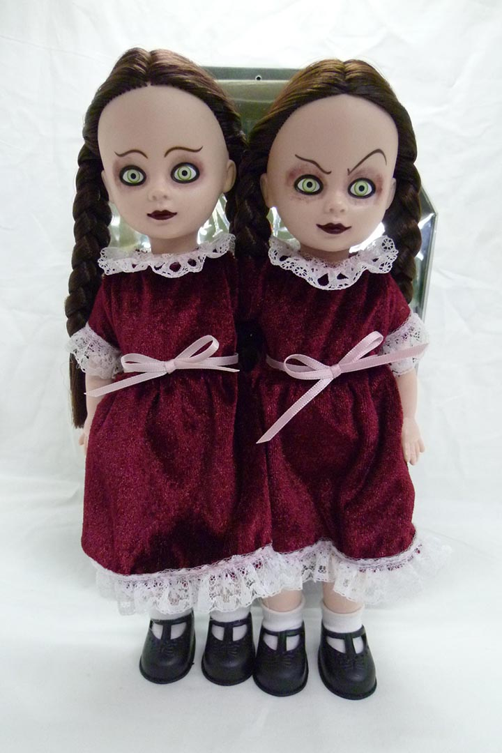 除了 Resurrection Series 外, Livind Dead Dolls 的連體公仔 Hazel and Hattie 亦相當受歡迎。圖片由 Living Dead Dolls 提供