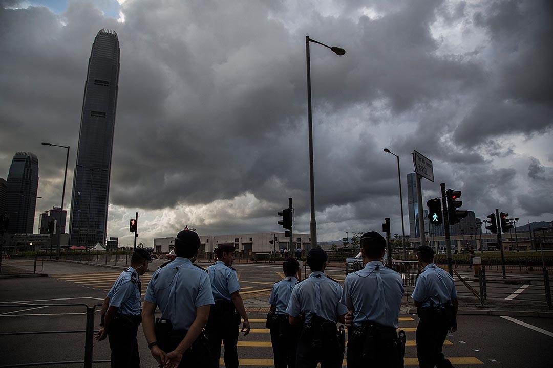2014年8月31日,警察在佔領中環集會舉行前在中環一帶戒備。 攝:Lam Yik Fei/GETTY