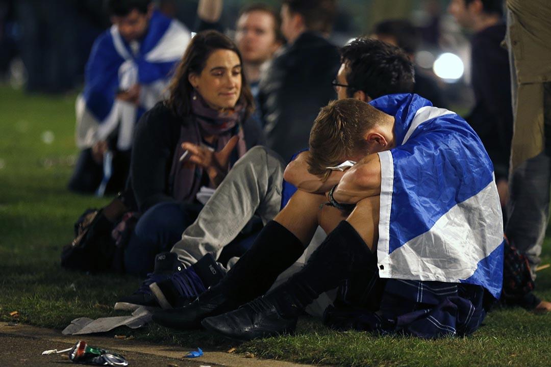 獨立派支持者在格拉斯哥的喬治廣場得知公投結果。攝 : Cathal McNaughton/REUTERS