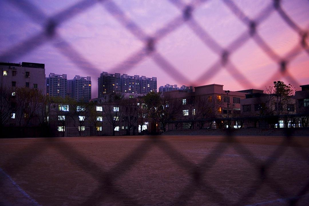 圖為廣東省製衣廠集中地廬江村。攝:China Photos/GETTY