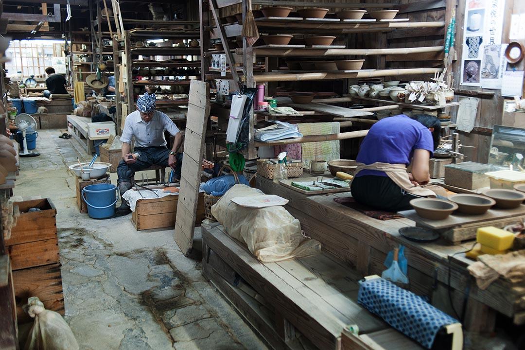 出西窯至今仍是一如最初,是陶工們彼此相依的同共體。(攝:Kentaro Takahashi)