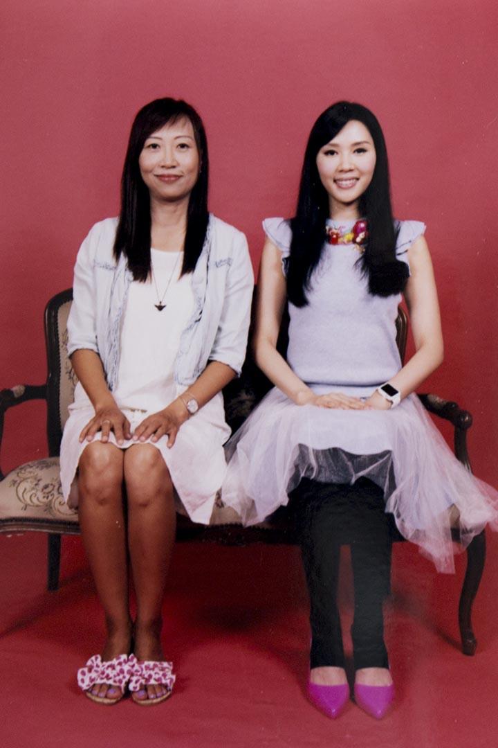 羅泳嫻(右)與羅慧儀(左)這對堂姐妹失散幾十年,各有各的人生路,如今又聚頭,既是親人,也成為了彼此的密友。