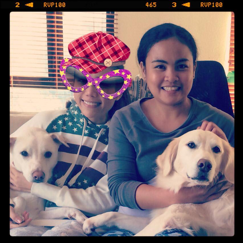 香菲家庭有兩女三狗,彭秀慧本來只養一頭狗,後來兩人決定多養兩隻,全部都是人家棄養的。她們還曾在街邊拯救受傷小貓,可惜牠在Kayla床上睡了三天後去世。相片由受訪者提供