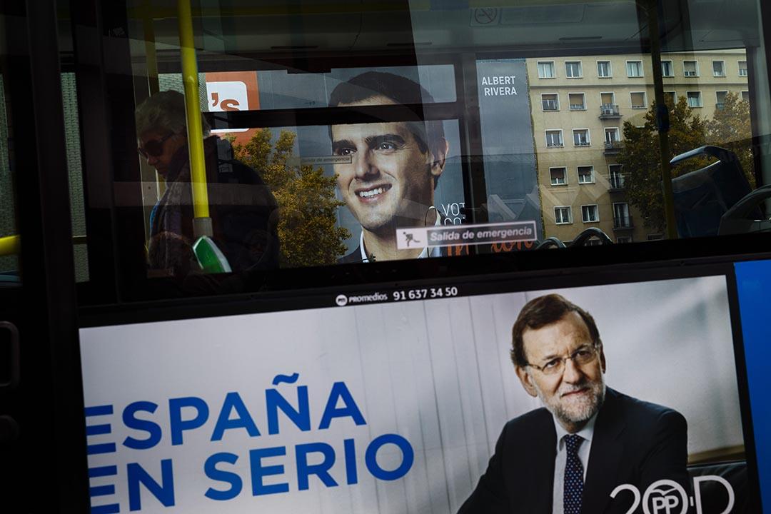 西班牙12月20日舉行國會大選,執政的保守派政黨人民黨受到重挫。攝:Daniel Ochoa de Olza/AP