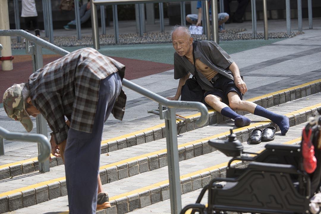 香港人口急速老化,政府資助安老宿位供不應求。攝:羅國輝/端傳媒