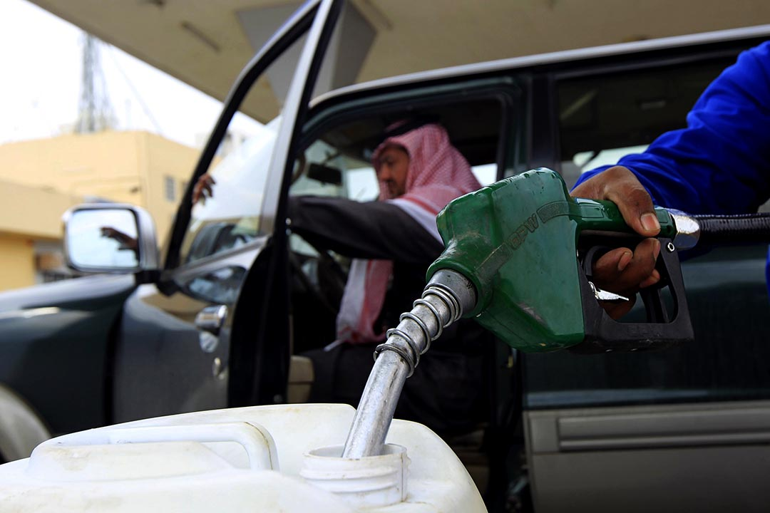 沙特阿拉伯與俄羅斯為鞏固市場佔有份額,再次發起石油價格戰。攝:Fahad Shadeed/REUTERS
