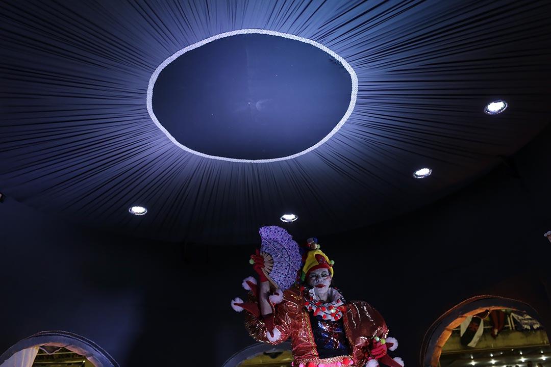 巴西里約熱內盧,表演者在狂歡節中表演。攝:Leo Correa/AP Photo