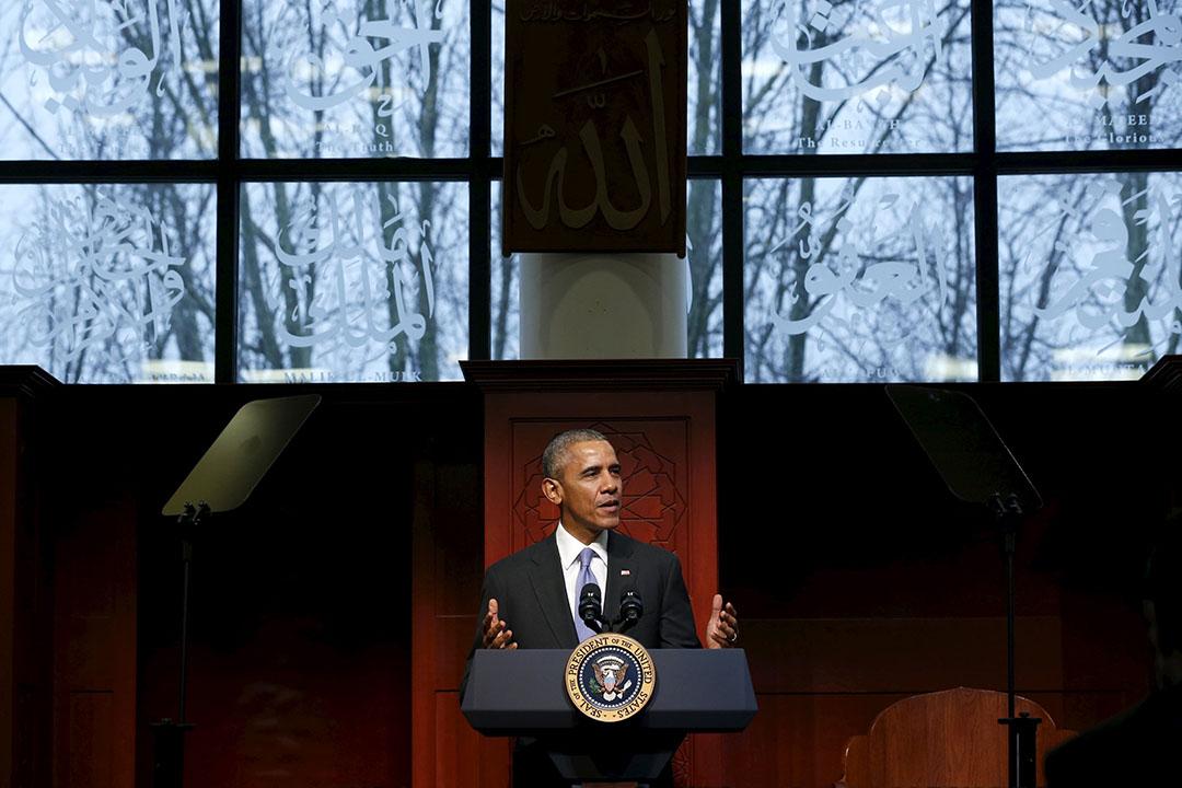 2月3日,奧巴馬清真寺內演講。攝:Jonathan Ernst/REUTERS