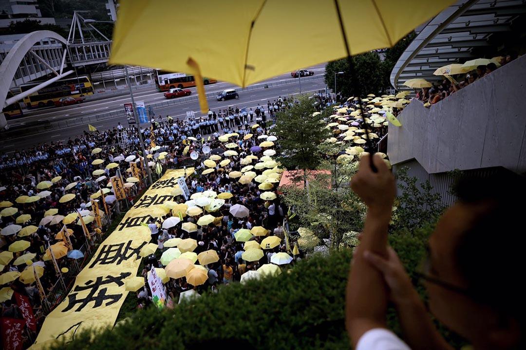 雨傘運動一周年,多個民間團體再到金鐘佔領區舉行紀念活動。攝:盧翊銘/端傳媒