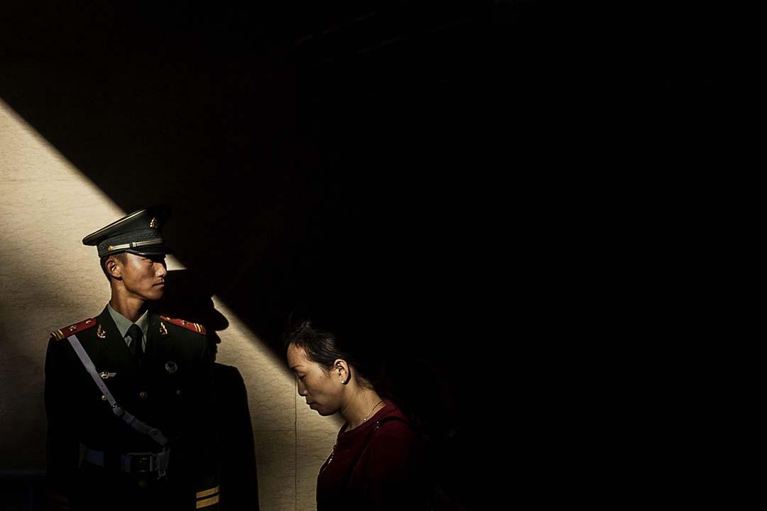 近期一位30多歲的瑞典男性公民被中國警方拘留,他所在的 NGO 稱拘留他的理由是涉嫌「危害國家安全」。攝:Kevin Frayer/Getty Images