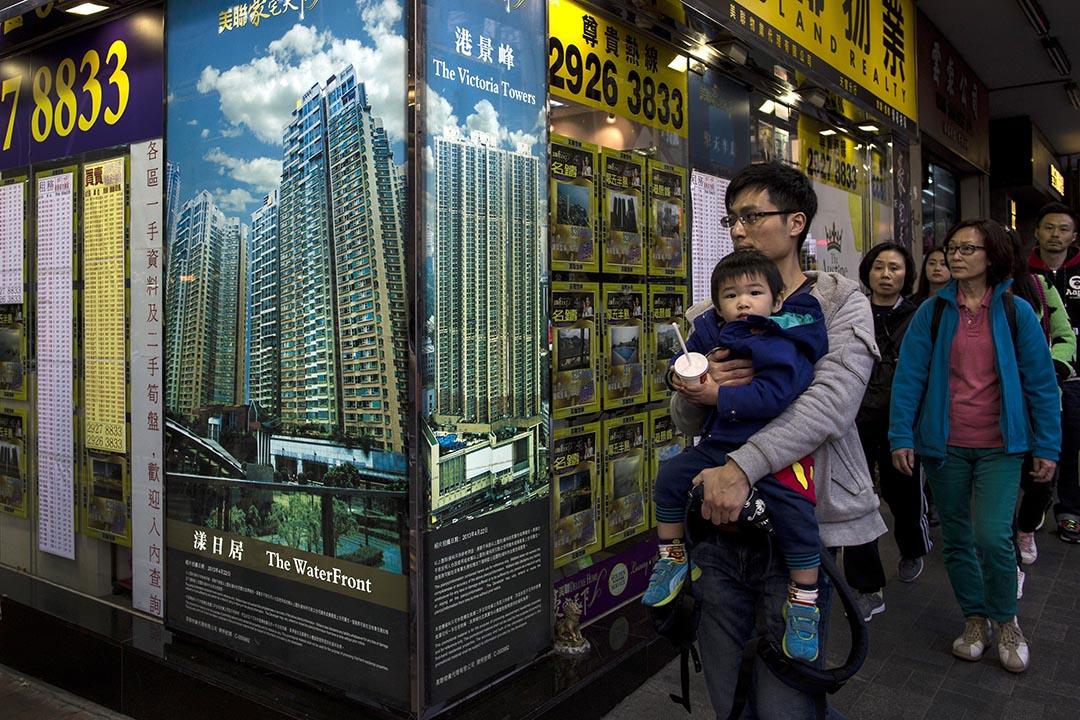 香港發展局局長陳茂波提醒,近期樓市出現根本性變化,呼籲市民應量力置業。攝: Tyrone Siu/REUTERS