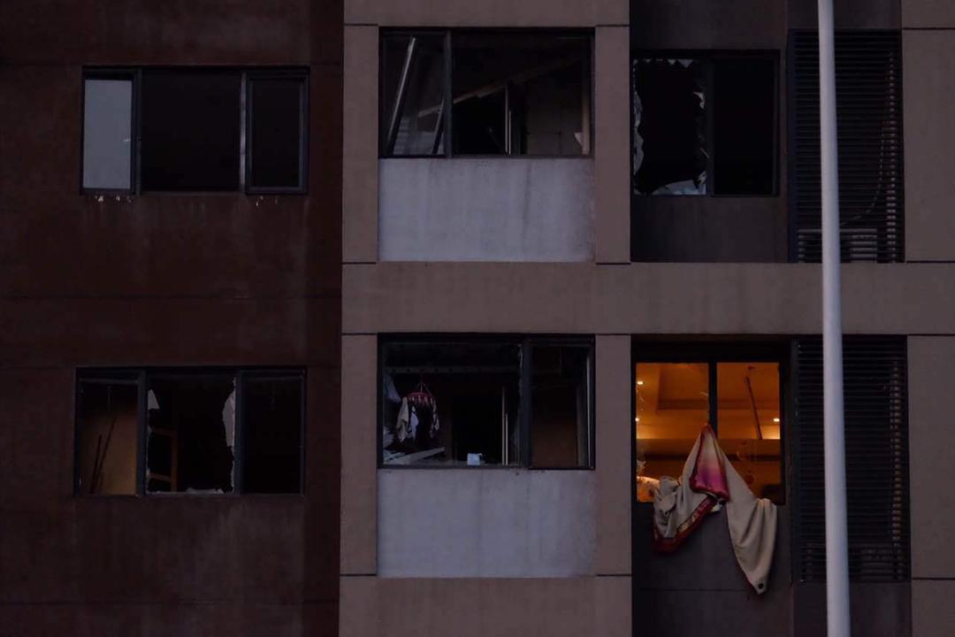 爆炸現場附近一座大廈受損毀