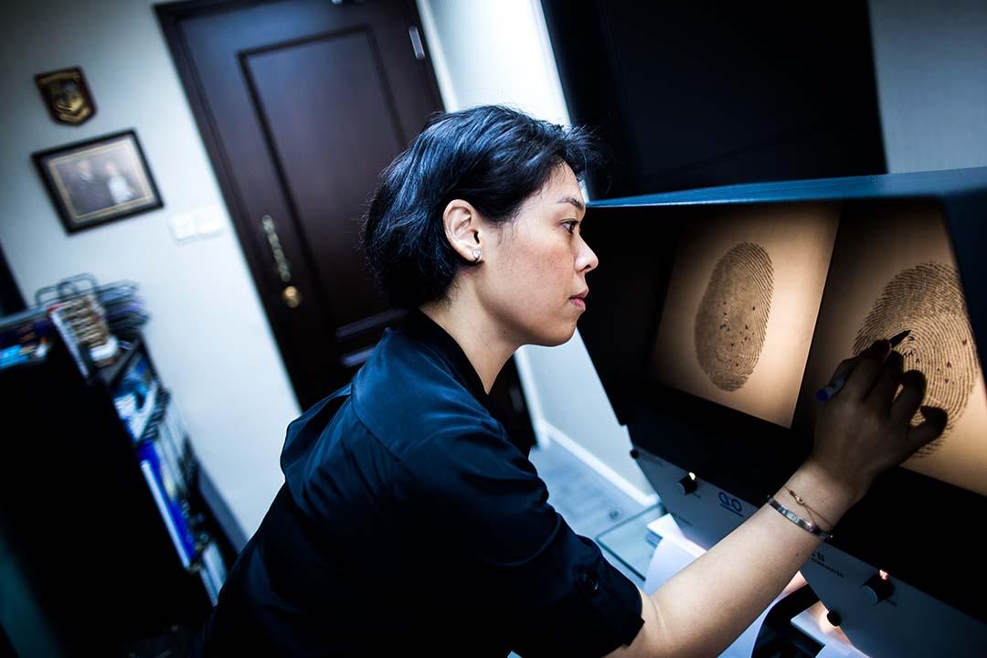 王匡婷是英國鑑證專家,2001年受聘於倫敦Forensic Science Service(鑒證科學單位),專門從事人類基因(DNA)研究工作。攝:盧翊銘/端傳媒