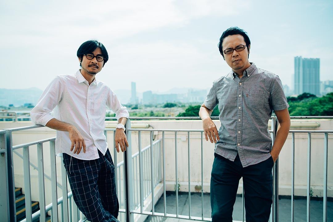 電影《哪一天我們會飛》導演黃修平(左)及編劇陳心遙(右)。攝:盧翊銘/ 端傳媒