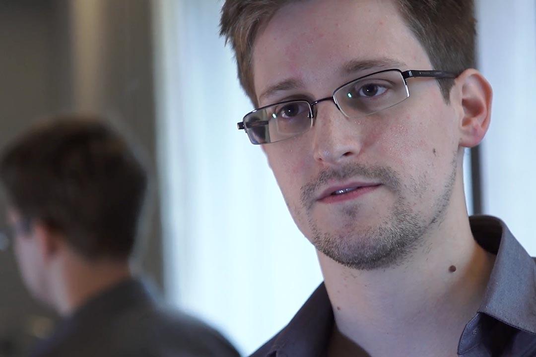 歐洲議會於10月29日通過,呼籲歐盟成員國撤銷對前美國中情局僱員斯諾登的控罪,並為他提供庇護。攝 : The Guardian via Getty Images