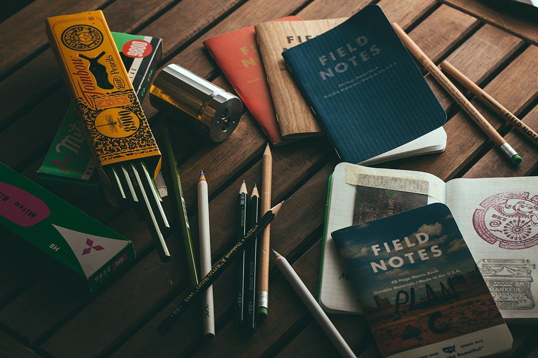 邵家臻:舊的筆記簿總揮不去神秘曖昧,而新的筆記簿則帶有太多的可能性。攝:王嘉豪/端傳媒