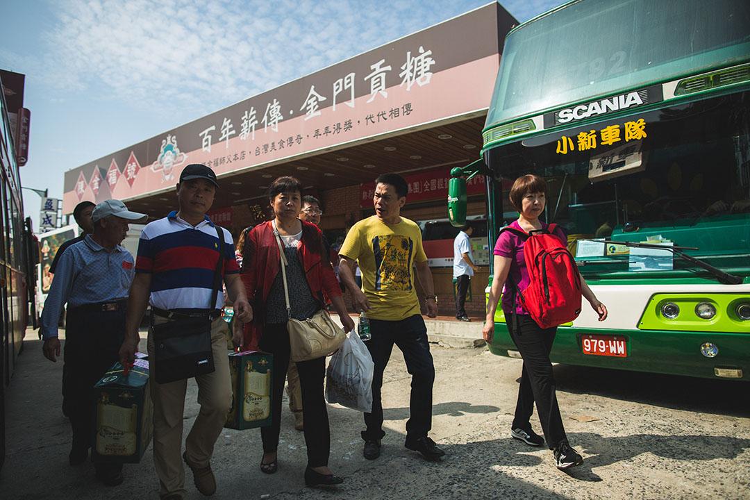 中國旅客在金門名產店購物。攝:王嘉豪/端傳媒