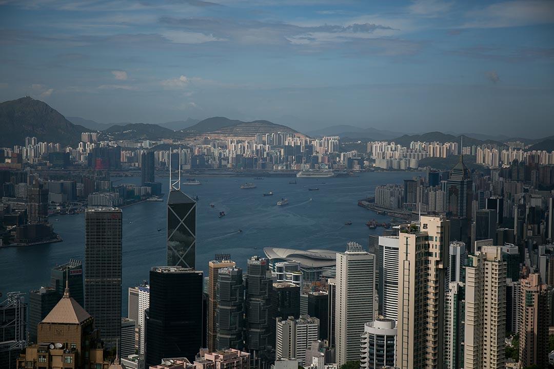 香港商廈成交記錄近期被兩家中資企業刷新,分析稱未來中資公司將成為購買及租用商業辦公樓的主力。攝:Billy H.C. Kwok/端傳媒