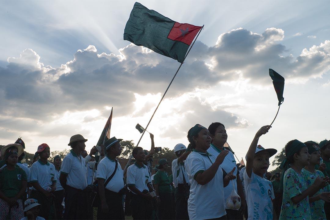 2015年11月6日,仰光,執政聯邦鞏固與發展黨(USDP)在國會大選前於仰光附近舉行大型集會。攝:葉家豪/端傳媒