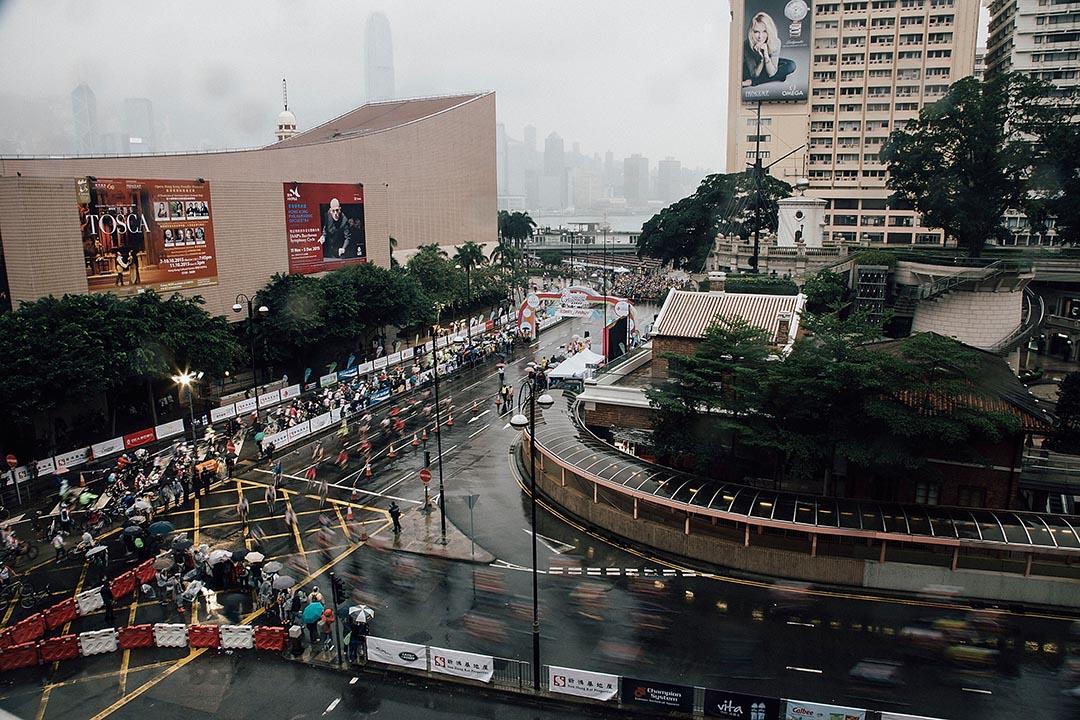 2015年10月11日,香港舉行單車節比賽,賽事以尖沙咀為起點,全長35公里。攝:Anthony Kwan/GETTY