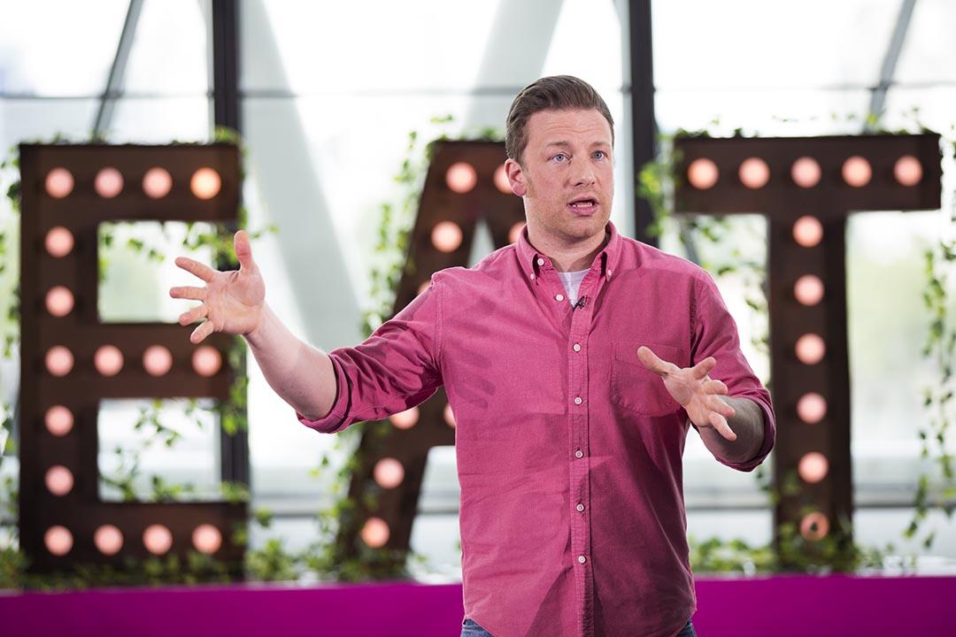英國名廚 Jamie Oliver 自2005年起試圖改革英國學校不健康的餐飲狀況,10年後宣告計劃失敗。攝: Tristan Fewings/GETTY