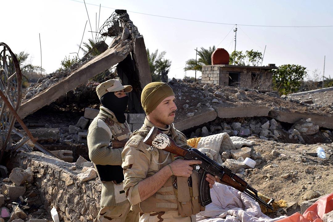伊拉克政府軍已經攻入由恐怖組織「伊斯蘭國」(IS)佔據的伊拉克重鎮拉馬迪(Ramadi)市中心。攝 : AP