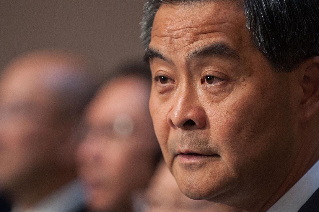 香港特首梁振英近日接受新華社專訪時表示,正在研究是否需要設立專門機構推動「一帶一路」。圖為香港特別行政區行政長官梁振英回應記者的提問 。攝:Anthony Kwan/GETTY