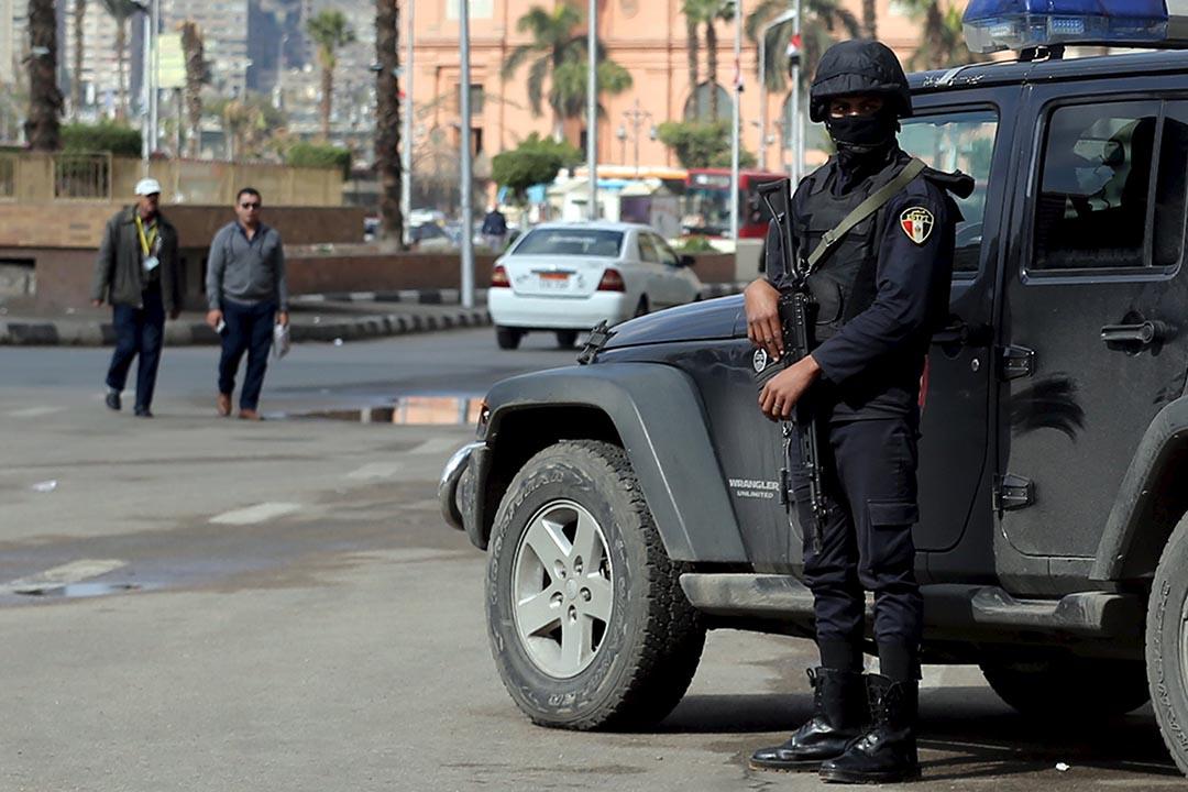 埃及警察在解放廣場戒備。攝 : Mohamed Abd El Ghany/REUTERS