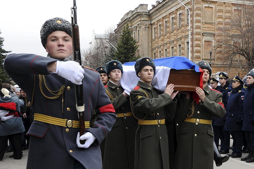 2015年11月27日,俄羅斯為在參與搜救蘇-24戰機飛行員行動中身亡的海軍陸戰隊員舉行葬禮。攝:Sergey Pivovarov/REUTERS