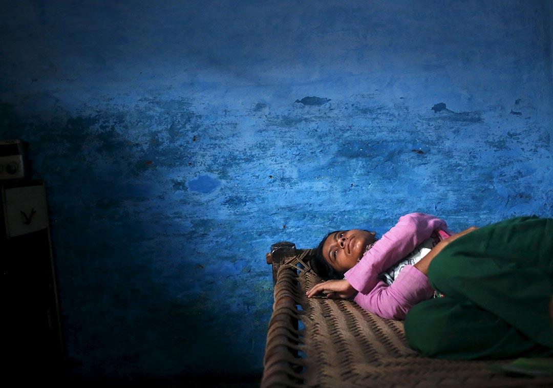 2015年10月2日 印度北方邦 Sajida Saifi的父親因被傳殺害一隻牛犢而被信奉印度教的暴徒打死。攝:Anindito Mukherjee/ Reuters