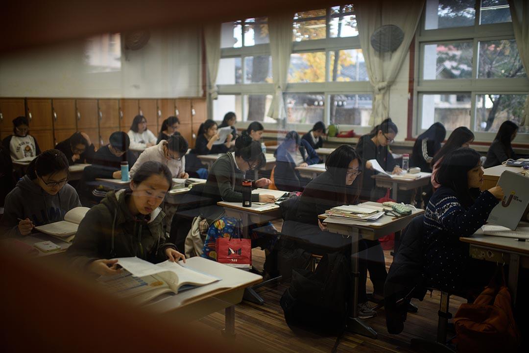 學生在首爾一間學校內。攝 : Ed Jones/AFP