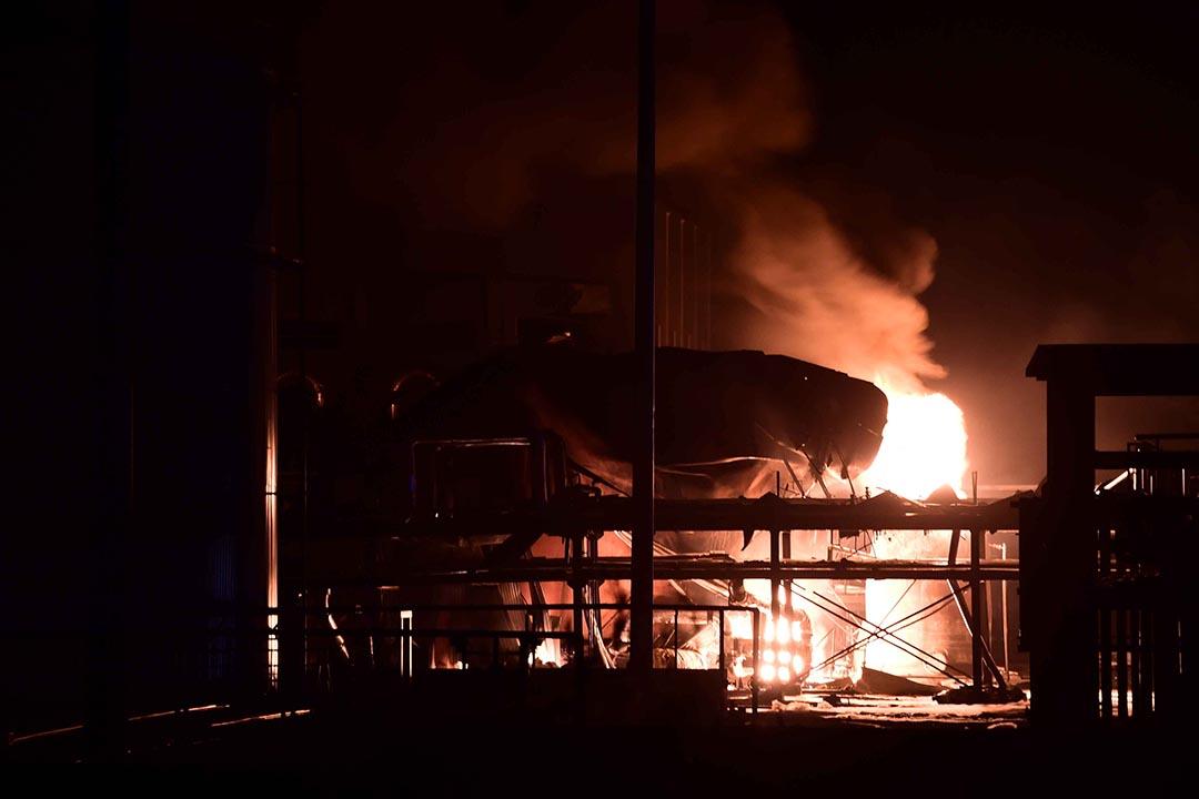 山東省淄博市桓台縣果里鎮潤興化工廠8月22日晚發生爆炸並起火攝 : Guo Xulei/Xinhua via AP
