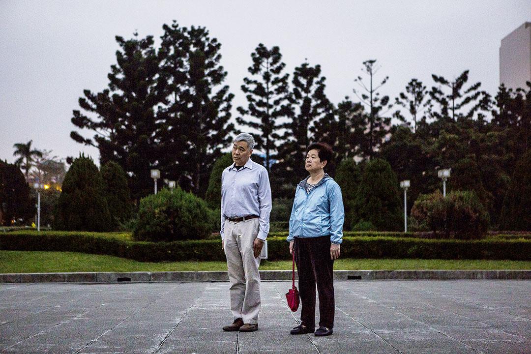 2016年1月14日,台北,一對夫婦在國父紀念館觀看升旗儀式。攝:Ulet Ifansasti/GETT