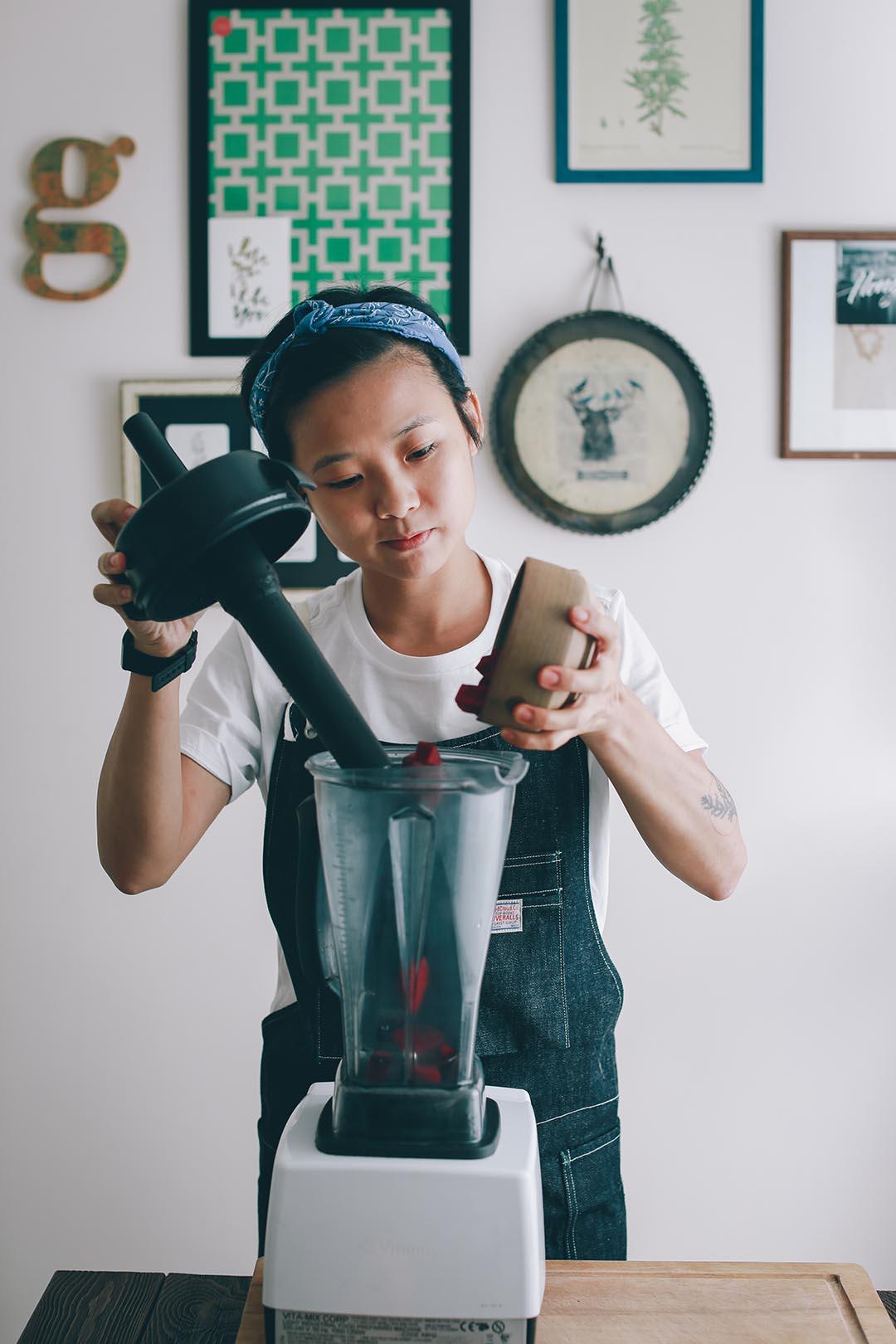 Gee 是髮型師,也是 raw food 廚師。攝:王嘉豪/端傳媒