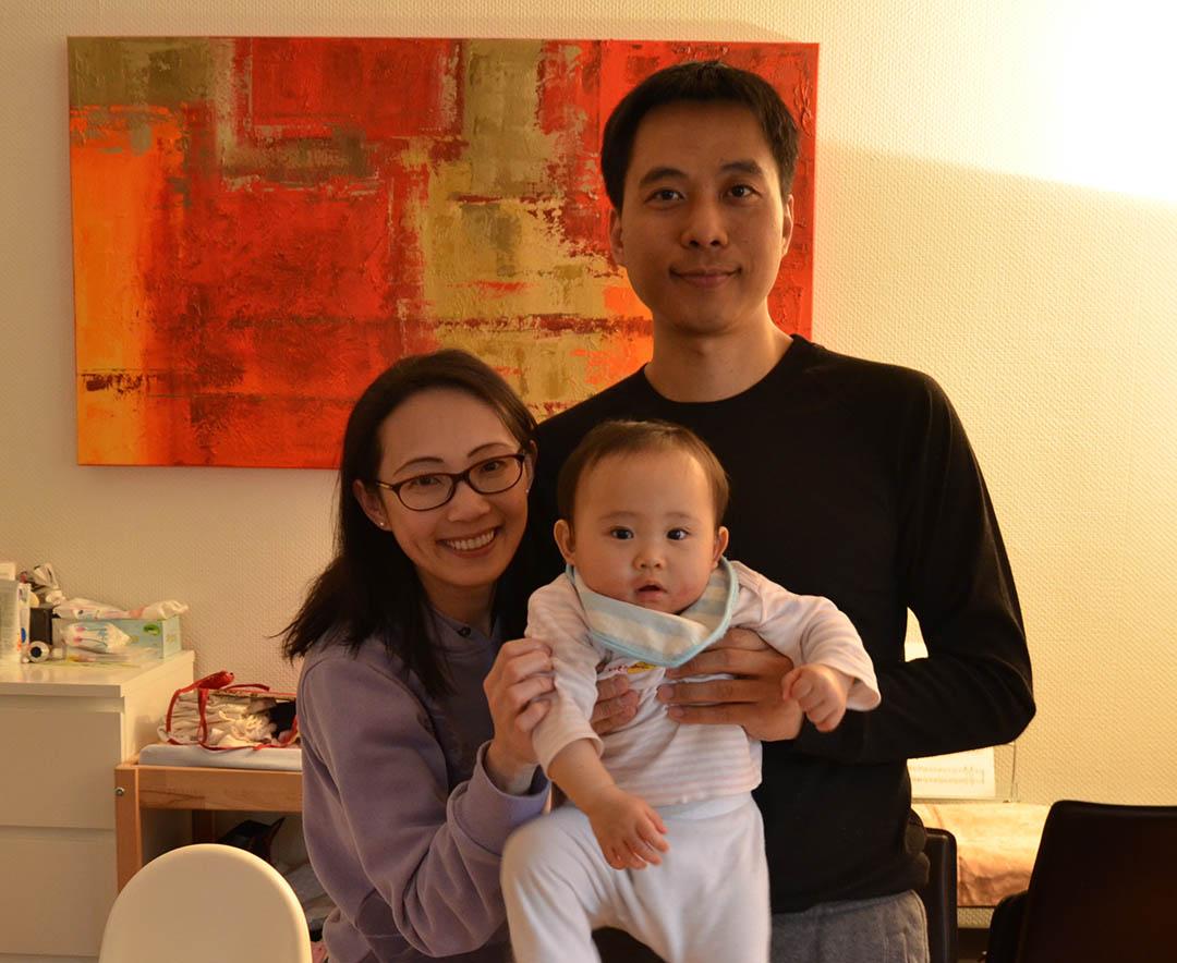 娜拉滿週歲家中合影。李濠仲提供圖片