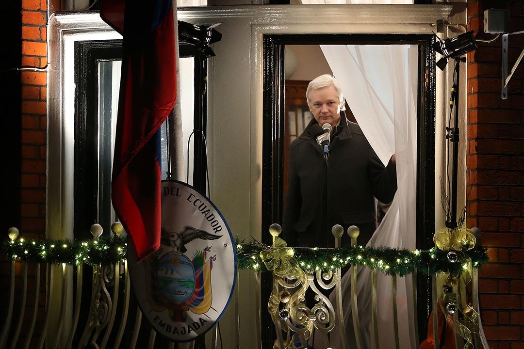 維基解密創始人阿桑奇(Julian Assange)在厄瓜多爾駐倫敦大使館。攝:Peter Macdiarmid/Getty