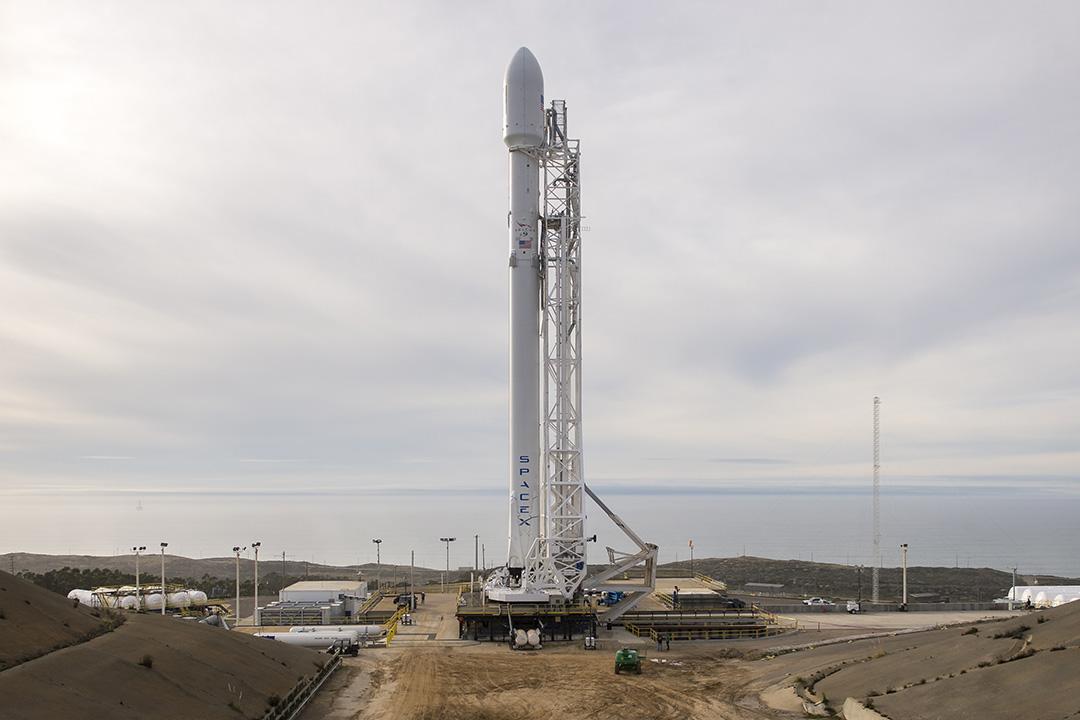 2016年1月16日,美國范登堡空軍基地,圖為SpaceX集團研發的Falcon 9火箭。攝:Bill Ingalls/NASA via GETTY