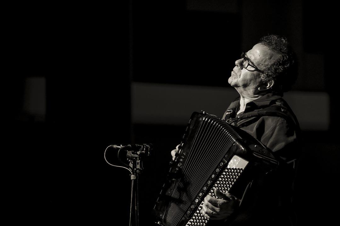 有「世界第一手風琴手」稱號的 Richard Galliano 在今年OCT-LOFT國際爵士音樂節上表演。攝: UC大人