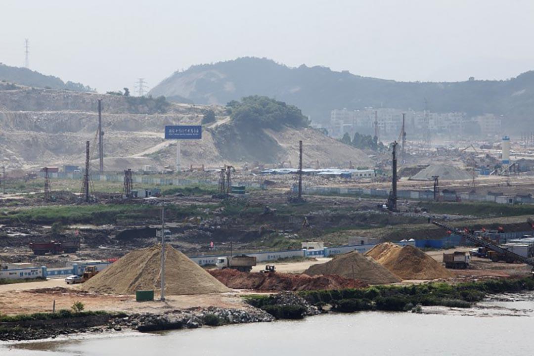 中國國務院日前通過橫琴南部填海海洋功能區劃的調整,允許填海27.9平方公里,面積相當於再造一個澳門。攝 : EyePress via AFP