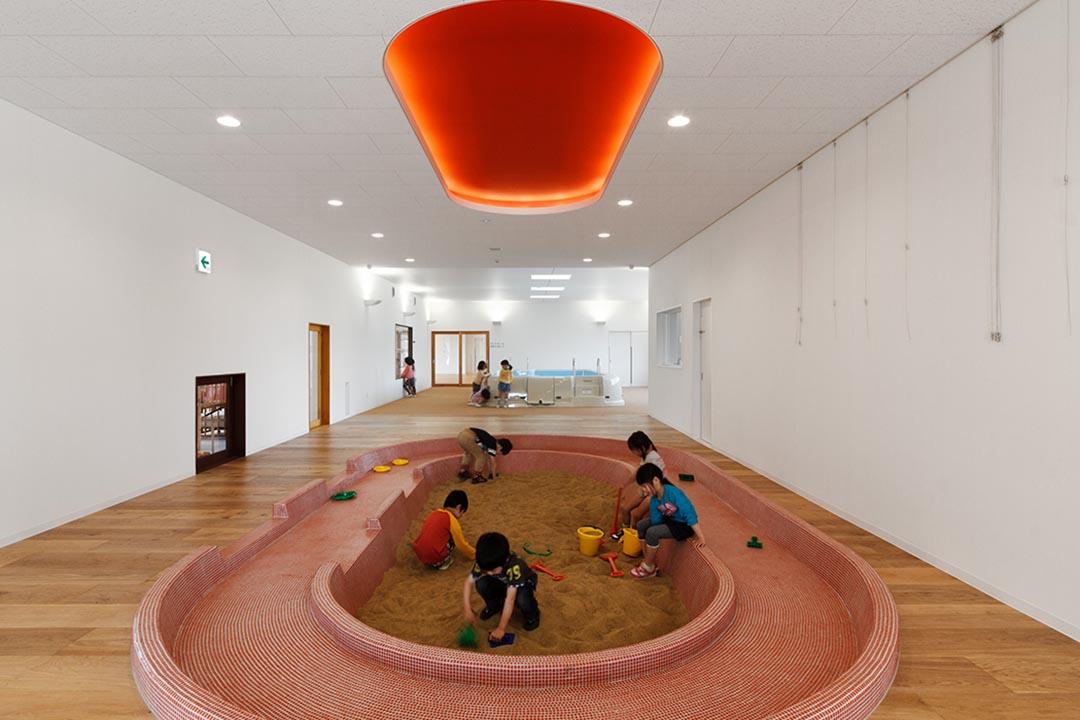位於福島的三寶保育園攝:Studio Bauhaus Ryuji Inoue