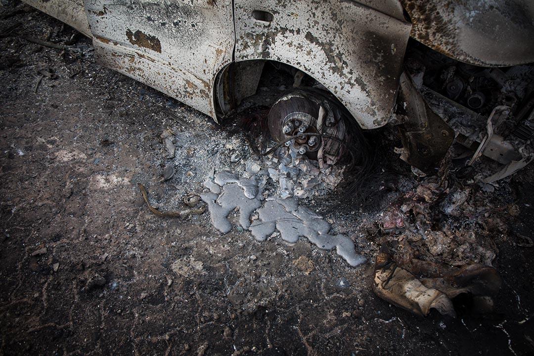 被熱熔的房車鋁鈦。攝 : Billy H.C. Kwok/端傳媒