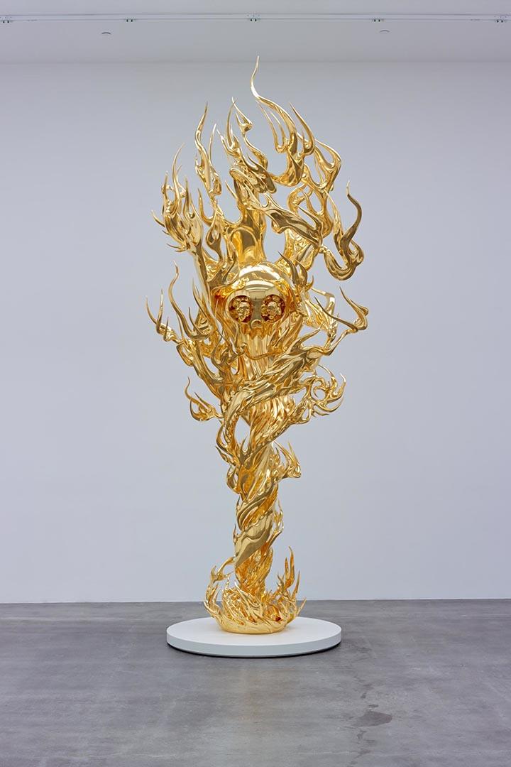 Takashi Murakami  Flame of Desire – Gold  2013  Platinum leaf on bronze  475cm  Courtesy: Blum & Poe, Los Angeles  © 2013 Takashi Murakami/Kaikai Kiki Co., Ltd. All Rights Reserved.