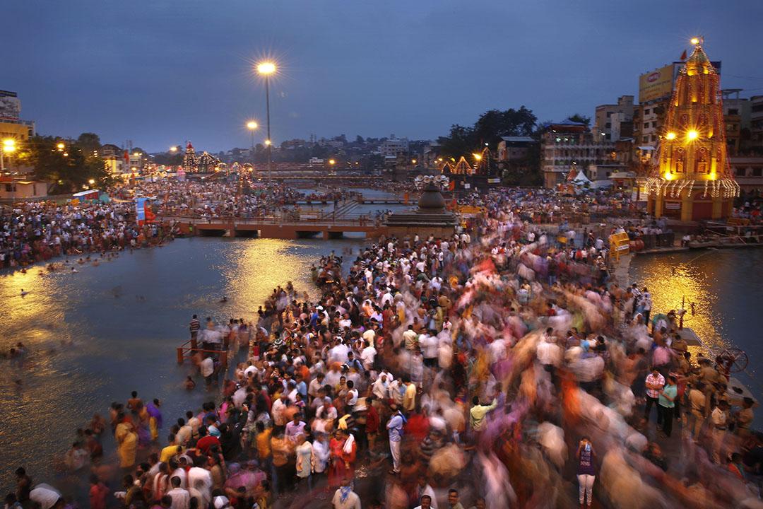 印度大壺節節慶( Kumbh Mela festival),數以萬計的印度朝聖者與聖徒透過宗教浸洗,洗去他們的罪惡。 攝: Manish Swarup/AP